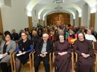"""Über 130 Besucher kamen um den Vortrag """"Erinnern und Vergessen - Zwei Seiten einer Medaille"""" zu hören."""